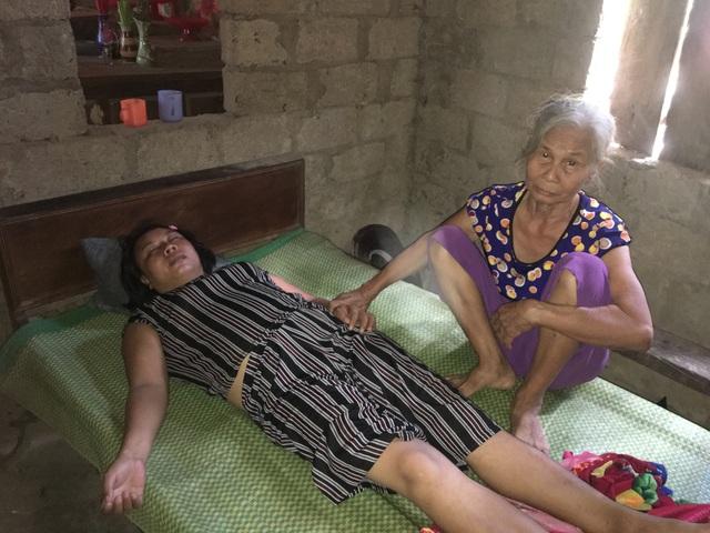 Thương người mẹ nghèo nỗ lực chăm chồng con bệnh tật trong cảnh cơ hàn - 4