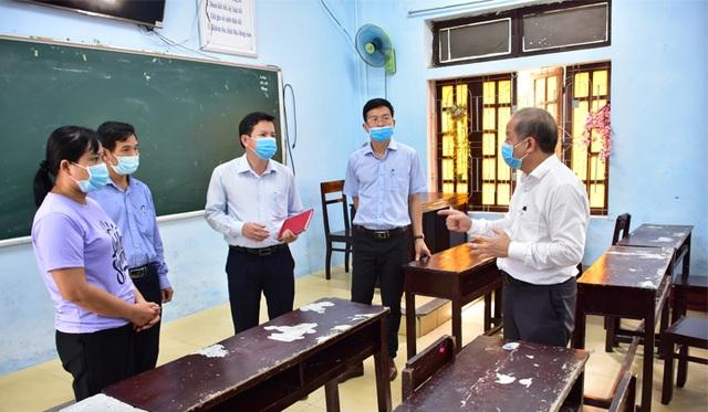 Chủ tịch tỉnh, Giám đốc Sở kiểm tra điều kiện chống dịch tại các điểm thi - 1