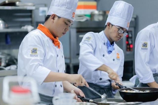 Vì sao nghề bếp Việt Nam vẫn chưa ngang tầm thế giới? - 1
