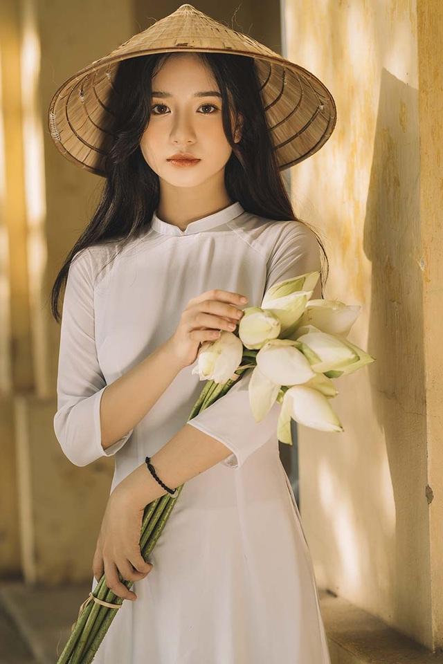 Nữ sinh xứ Thanh đẹp dịu dàng trong tà áo dài trắng - 7