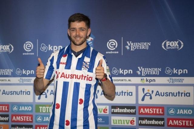 Heerenveen chính thức công bố bản hợp đồng thay thế Văn Hậu - 1