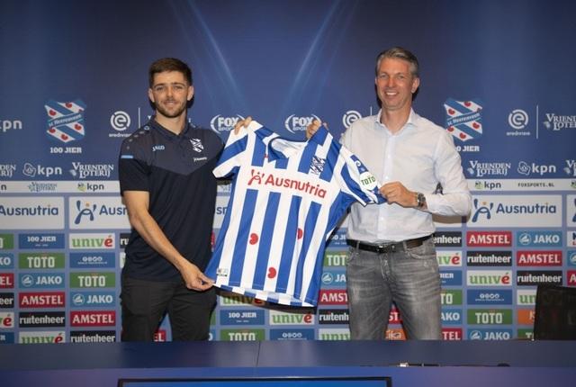 Heerenveen chính thức công bố bản hợp đồng thay thế Văn Hậu - 2