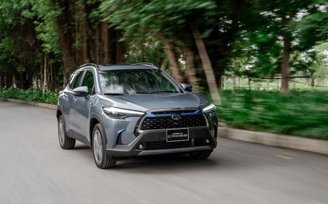 Toyota ra mắt mẫu xe Hybrid đầu tiên trên thị trường Việt Nam - 3