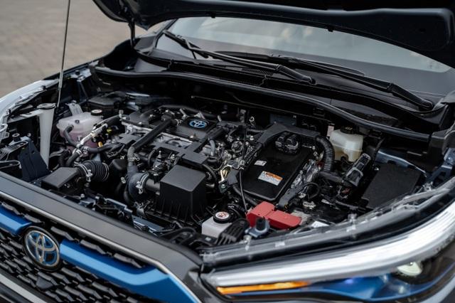 Toyota ra mắt mẫu xe Hybrid đầu tiên trên thị trường Việt Nam - 4