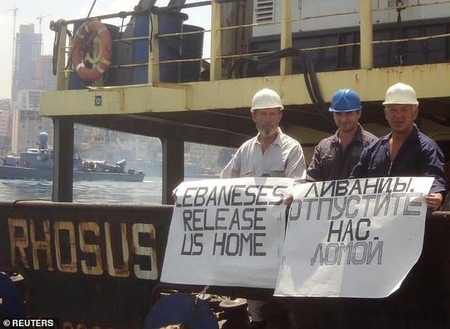 Thuyền trưởng tàu bỏ lại hàng nghìn tấn hóa học ở cảng Beirut lên tiếng - 1