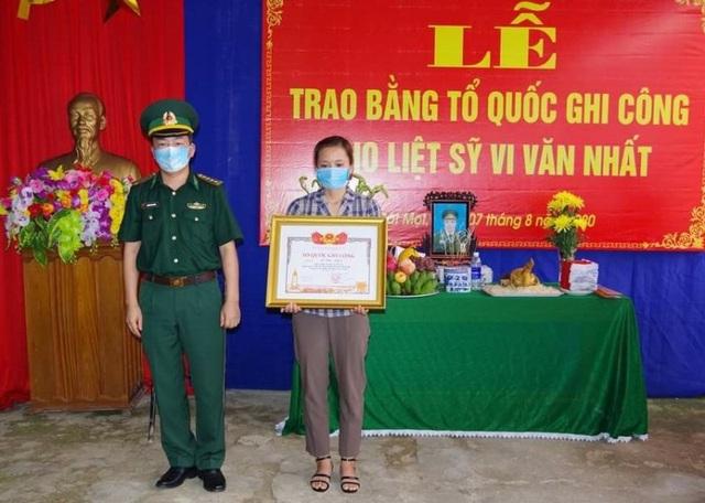 Thanh Hoá: Trao Bằng Tổ quốc ghi công cho Thiếu tá Vi Văn Nhất - 4