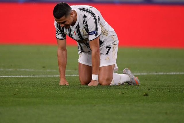 C.Ronaldo thất vọng cùng cực khi bị loại sớm ở Champions League - 1