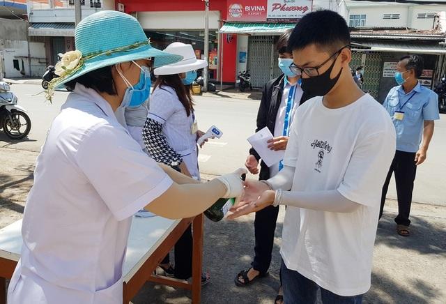 Khánh Hòa: 13 thí sinh phải chuyển sang thi đợt 2vì nghi không an toàn - 1