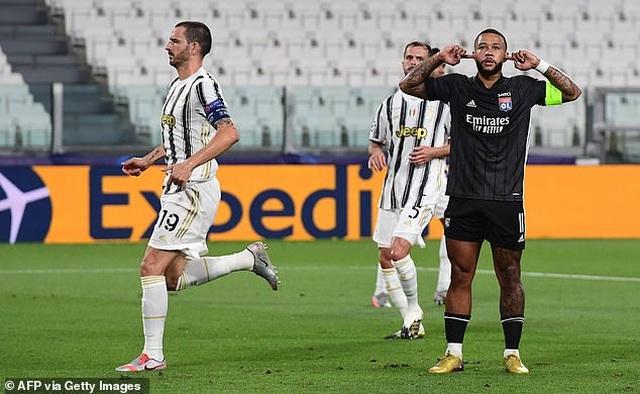 C.Ronaldo lập cú đúp, Juventus vẫn ngậm ngùi chia tay Champions League - 2