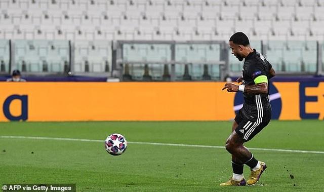 C.Ronaldo lập cú đúp, Juventus vẫn ngậm ngùi chia tay Champions League - 1