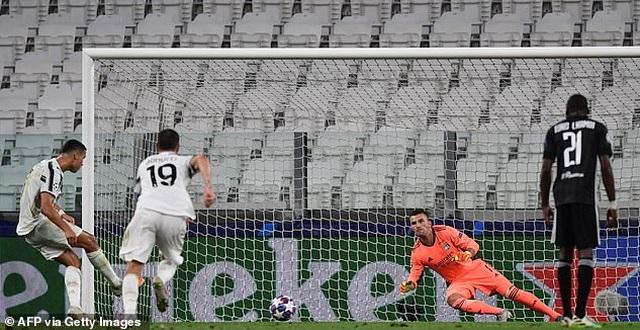 C.Ronaldo lập cú đúp, Juventus vẫn ngậm ngùi chia tay Champions League - 3
