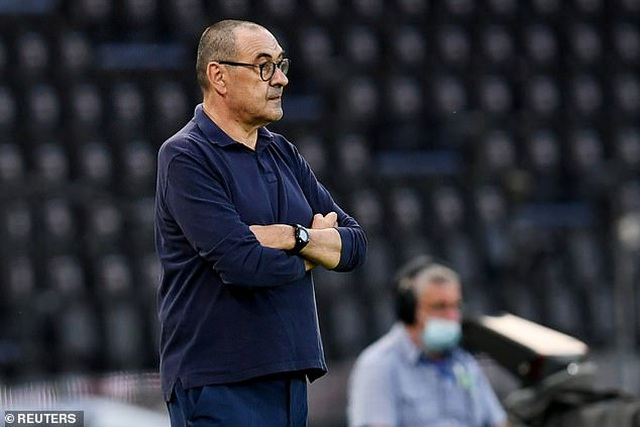 Bị loại khỏi Champions League, Juventus sa thải HLV Sarri - 1