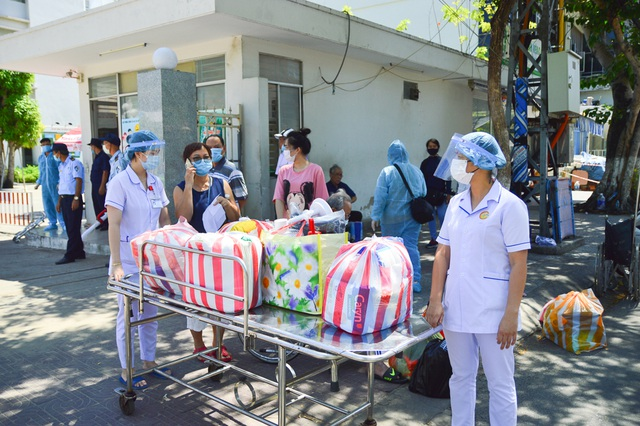 Ngày đầu Bệnh viện C Đà Nẵng mở cửa tiếp nhận bệnh nhân sau phong tỏa - 7