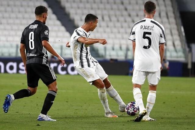 """C.Ronaldo và bi kịch của người """"gồng gánh"""" - 3"""