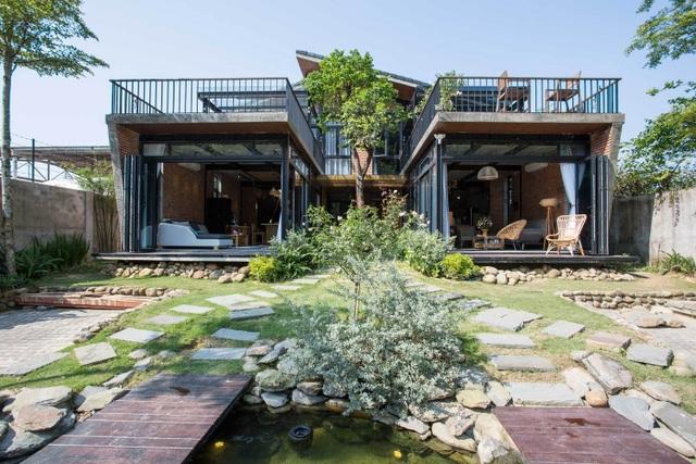 Đôi bạn thân mua đất, xây biệt thự cạnh nhau để sống đến cuối đời ở Đà Nẵng - 1