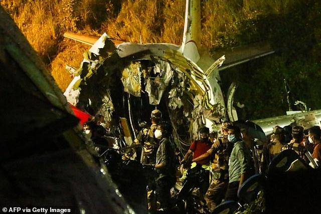 Máy bay chở 190 người vỡ đôi ở Ấn Độ: 18 người chết khi về nước tránh dịch - 6
