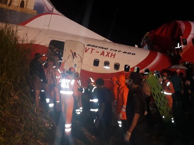 Máy bay chở 190 người vỡ đôi ở Ấn Độ: 18 người chết khi về nước tránh dịch - 10