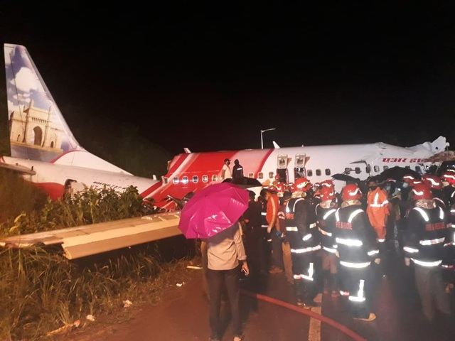 Máy bay chở 190 người vỡ đôi ở Ấn Độ: 18 người chết khi về nước tránh dịch - 9