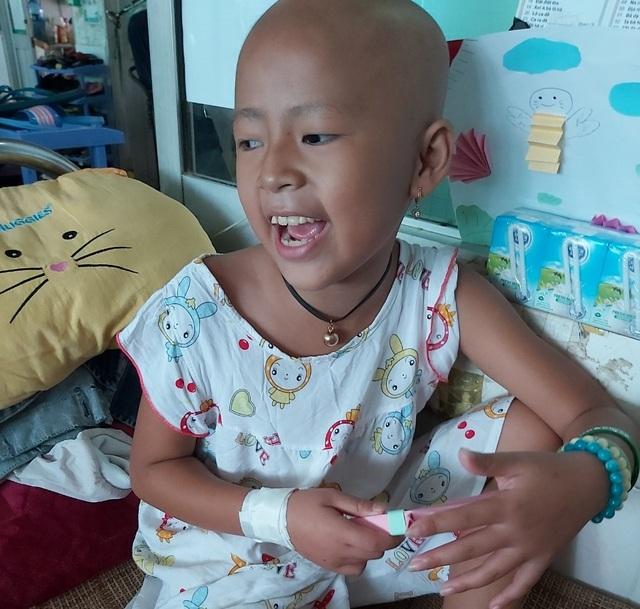 Xót thương bé gái xinh xắn 6 năm trời lấy viện làm nhà vì bệnh hiểm nghèo - 5