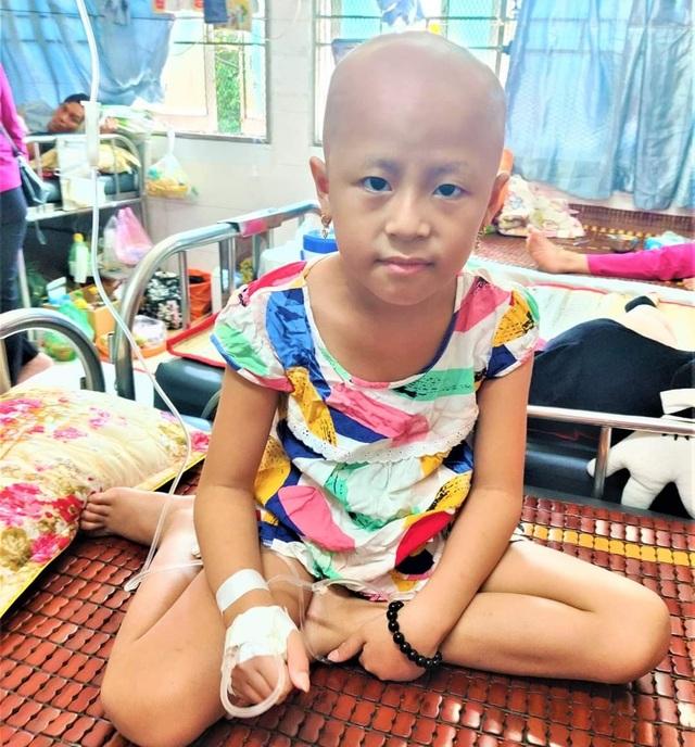 Xót thương bé gái xinh xắn 6 năm trời lấy viện làm nhà vì bệnh hiểm nghèo - 6