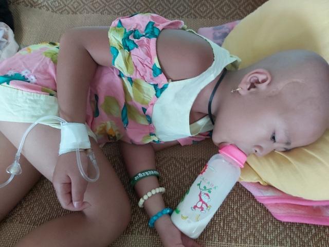 Xót thương bé gái xinh xắn 6 năm trời lấy viện làm nhà vì bệnh hiểm nghèo - 4
