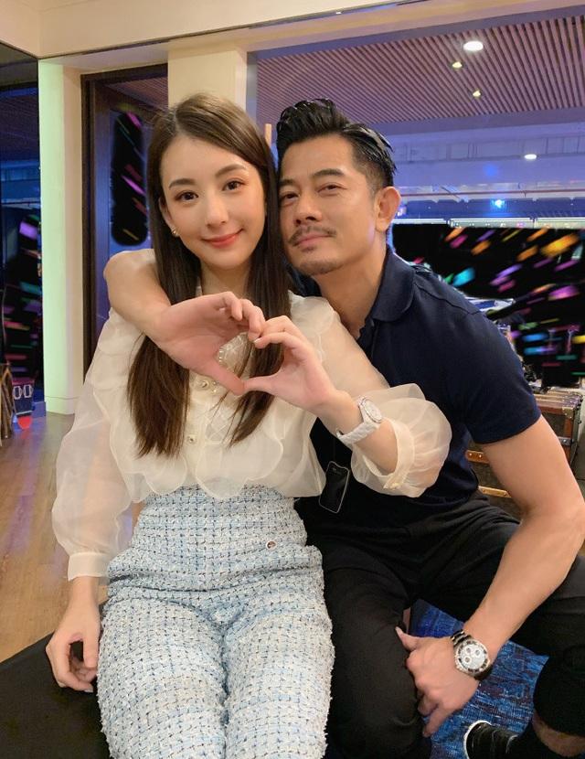 Vợ chồng Quách Phú Thành khoe ảnh ngọt ngào giữa tin đồn rạn nứt - 12