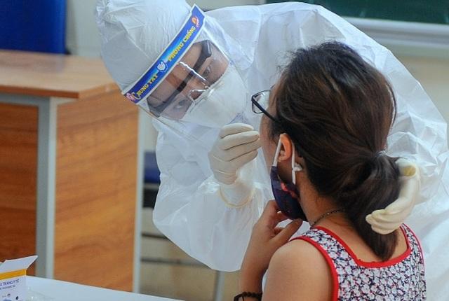 Bộ Y tế rút nhóm chuyên gia xét nghiệm từ Đà Nẵng về hỗ trợ Hà Nội - 2