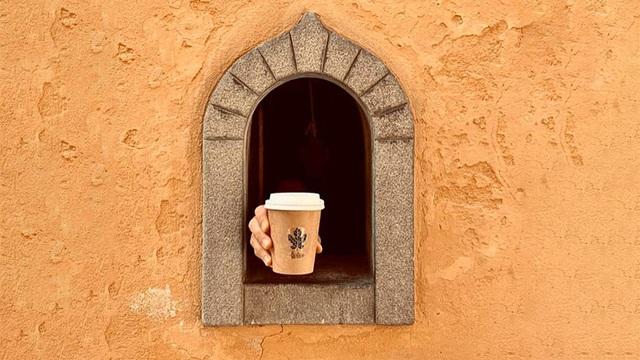 """Những cửa sổ nhỏ """"vừa bán hàng, vừa chống dịch"""" niên đại… 400 năm tuổi - 1"""