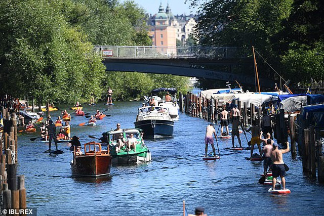 """Chuyên gia: Thủ đô Thụy Điển """"gần đạt miễn dịch cộng đồng"""" với Covid-19 - 1"""