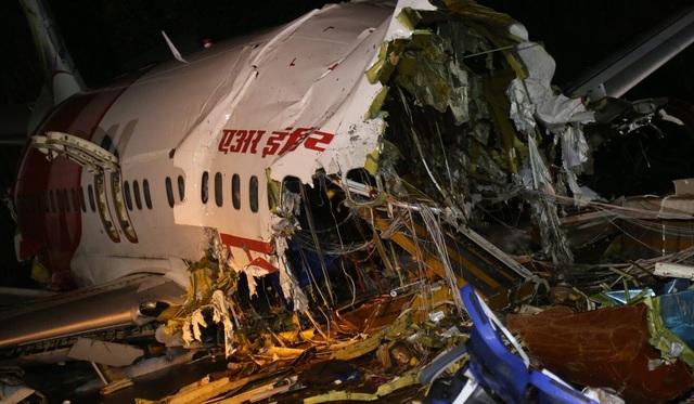 Người sống sót kể lại 15 giây ám ảnh khi máy bay Ấn Độ gẫy làm đôi - 3