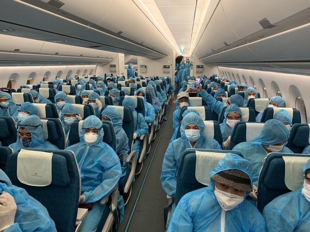"""Chuyến bay đầu tiên """"giải cứu"""" người Việt ở đảo quốc Cyprus - 3"""