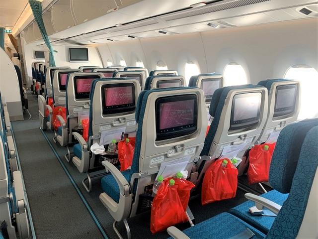 """Chuyến bay đầu tiên """"giải cứu"""" người Việt ở đảo quốc Cyprus - 4"""