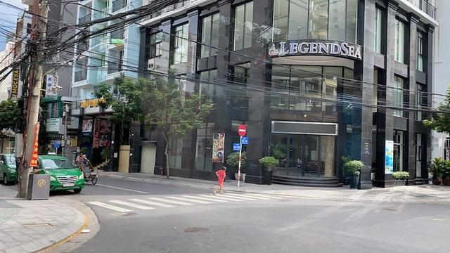 Dịch COVID-19 khiến Nha Trang đìu hiu, hàng loạt khách sạn đóng cửa - 2