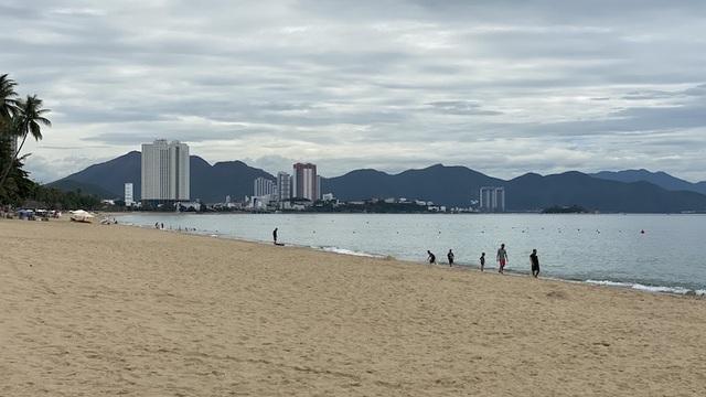 Dịch COVID-19 khiến Nha Trang đìu hiu, hàng loạt khách sạn đóng cửa - 7