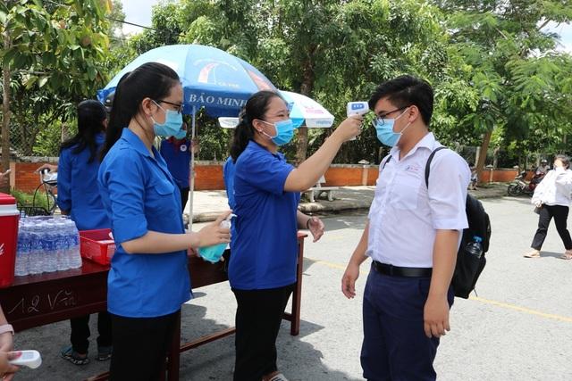 Khánh Hòa: 14 thí sinh phải chuyển sang thi đợt 2 vì liên quan dịch tễ - 4