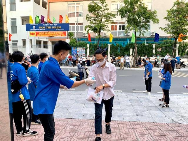Tình nguyện viên Thủ đô hăng hái tiếp sức mùa thi năm 2020 - 10