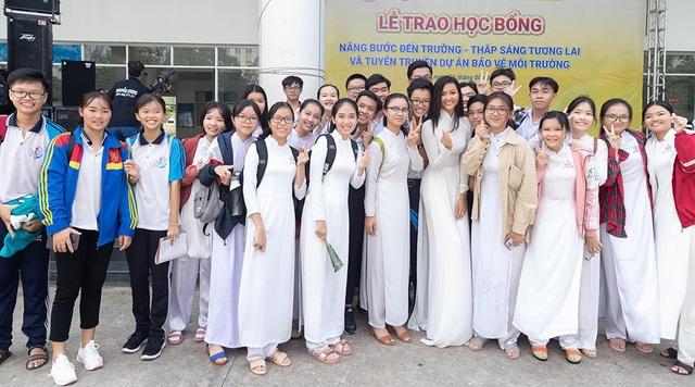 HHen Niê, Khánh Vân cùng các sao Việt gửi lời chúc may mắn đến các sĩ tử - 1