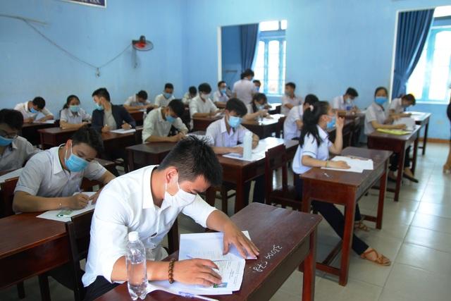 867.000 thí sinh dự thi môn Ngữ Văn kỳ thi tốt nghiệp THPT 2020 - 23