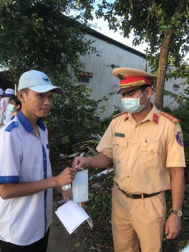 Tuổi trẻ xứ Công tử Bạc Liêu hết mình tiếp sức sĩ tử thi tốt nghiệp THPT - 8