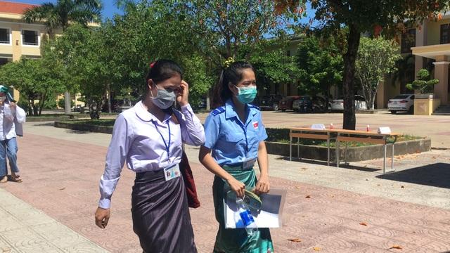 100 thí sinh người Lào dự thi tốt nghiệp THPT 2020 tại Quảng Bình - 2