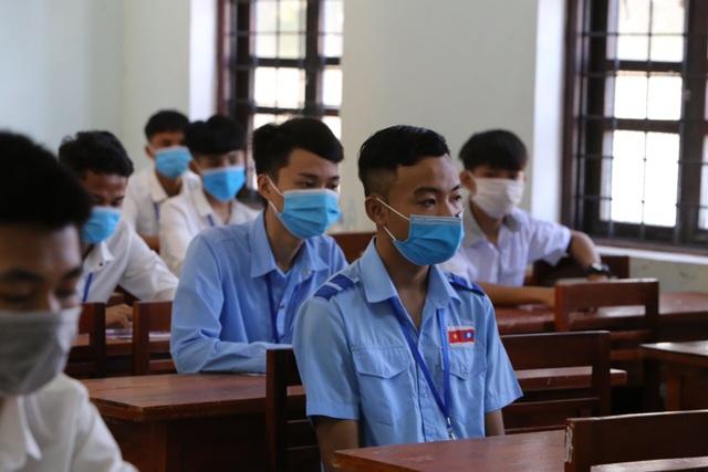 100 thí sinh người Lào dự thi tốt nghiệp THPT 2020 tại Quảng Bình - 1