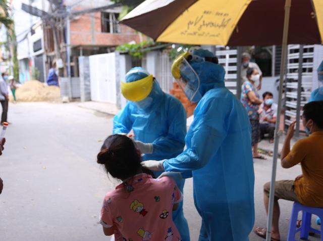 Nữ bệnh nhân Covid-19 ở Đà Nẵng đi tập yoga, đến ngân hàng, siêu thị... - 1