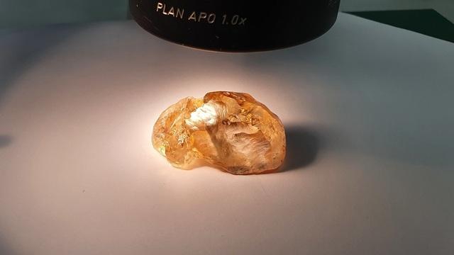Đào được viên kim cương màu hàng trăm triệu năm tuổi, lớn nhất ở Nga - 1