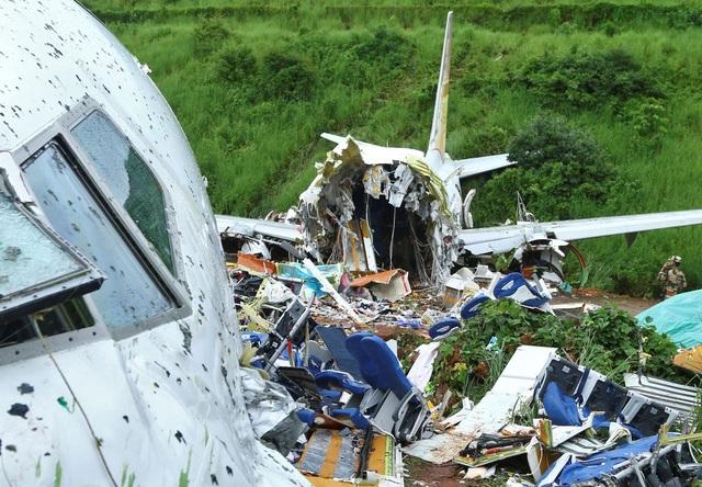 Người sống sót kể lại 15 giây ám ảnh khi máy bay Ấn Độ gẫy làm đôi - 4