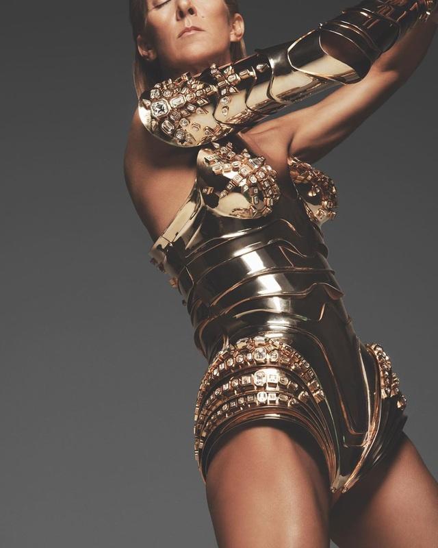 Celine Dion khoe thân hình thon gọn, săn chắc ở tuổi 52 - 2