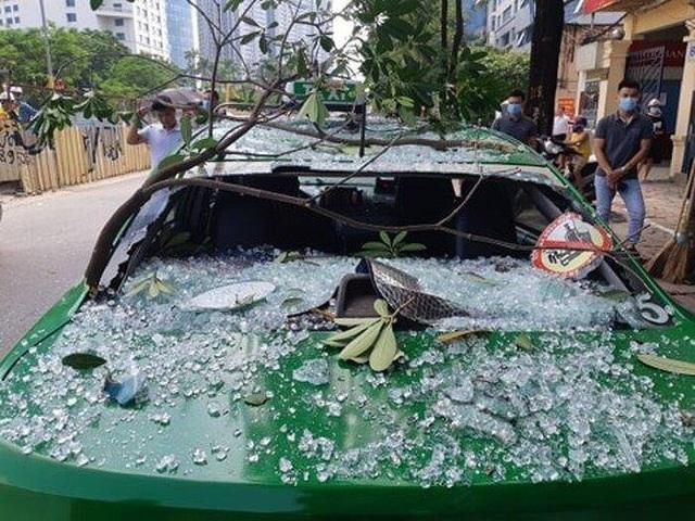 Hà Nội: Nổ lớn tại nhà hàng Nhật Bản, 3 người bị thương - 2