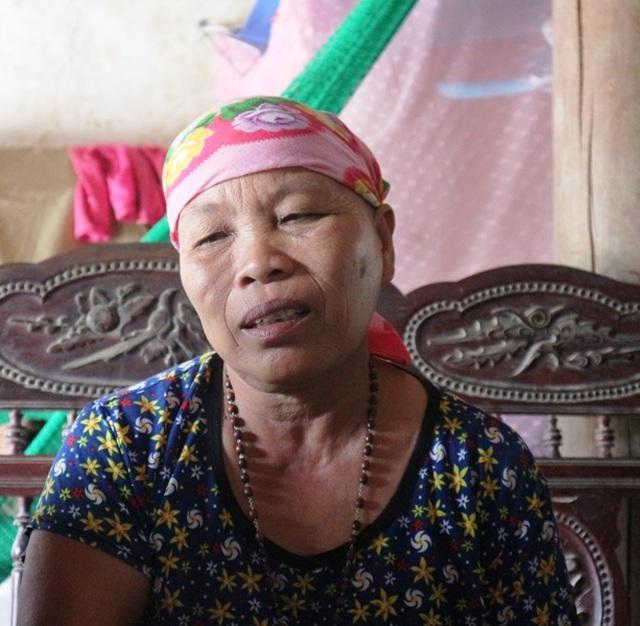 Nhói lòng hoàn cảnh éo le của cô gái u máu, suốt 8 năm chăm mẹ ung thư - 4