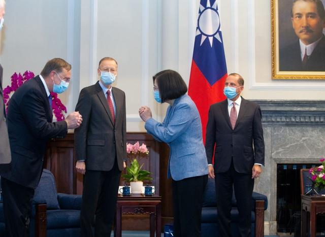 Máy bay Trung Quốc áp sát Đài Loan giữa chuyến thăm của Bộ trưởng Mỹ - 1