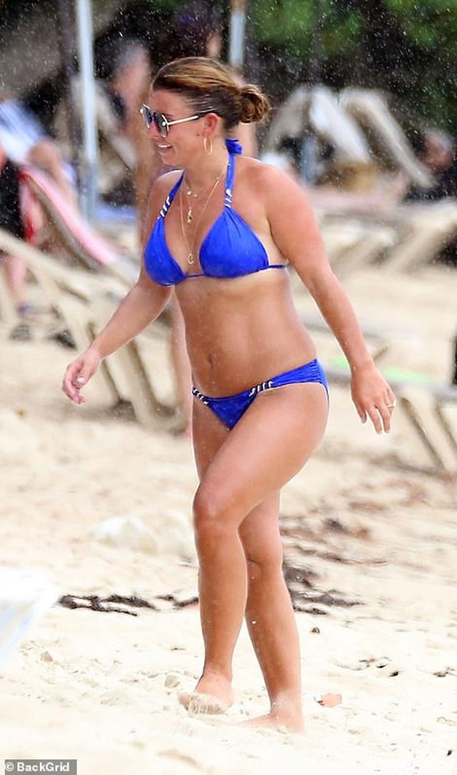 Coleen Rooney diện bikini khoe dáng tròn trịa - 5