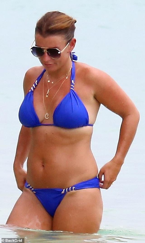 Coleen Rooney diện bikini khoe dáng tròn trịa - 6